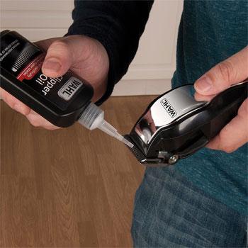 Oiling hair clipper blades